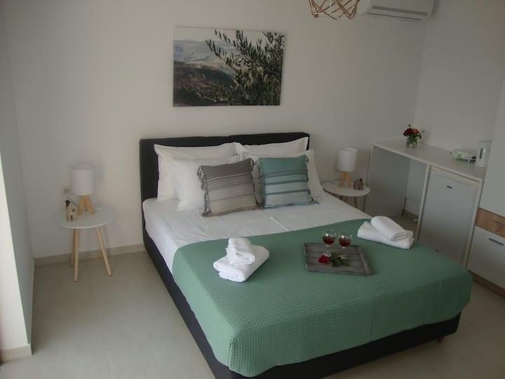 Studio Vasileios-Luxury and Clean Guest Room