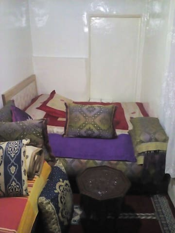 Longement au mileux de l'art artisanal du maroc