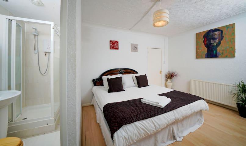 En-Suite Bedroom with Bathroom