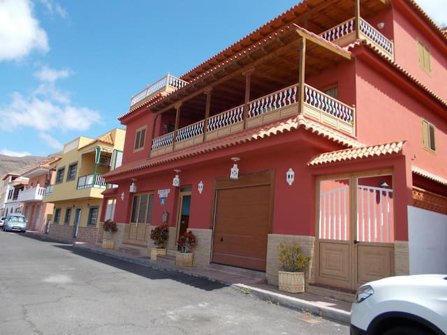 "Relax y playa - Apto. ""B"" - Playa de Santiago - Apartment"
