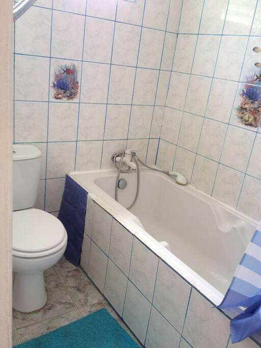 salle de bain 1ere chambre