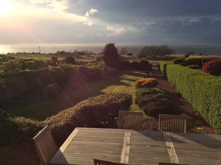 Spacious seaside home in Gullane