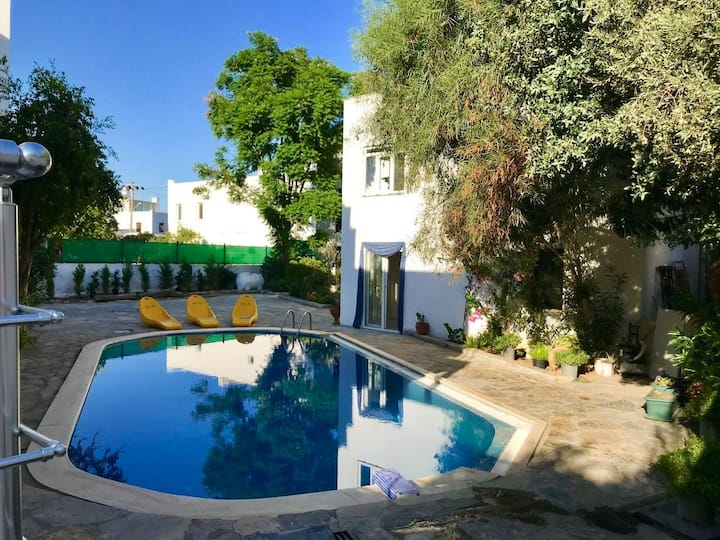 Mirelis Residence A3, 2 bed flat with shared pool