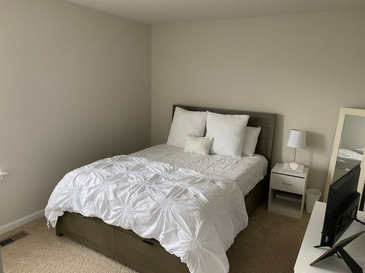 Private Room close to beaches and AFB