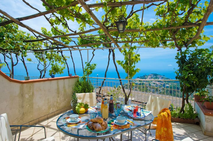 villa with parking included at 5 km from center - Ravello - Villa