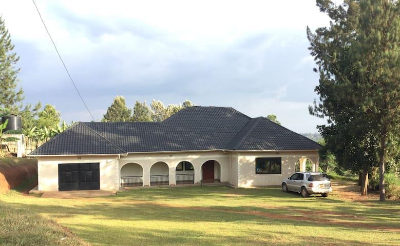 Kyamazima Country Home