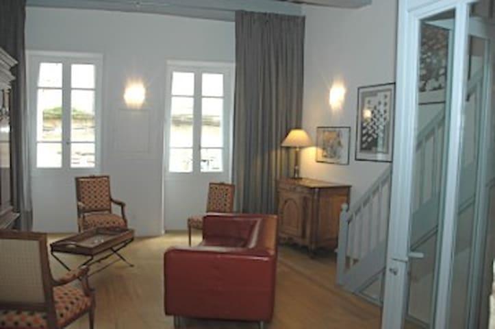 Location gite - centre historique de Figeac