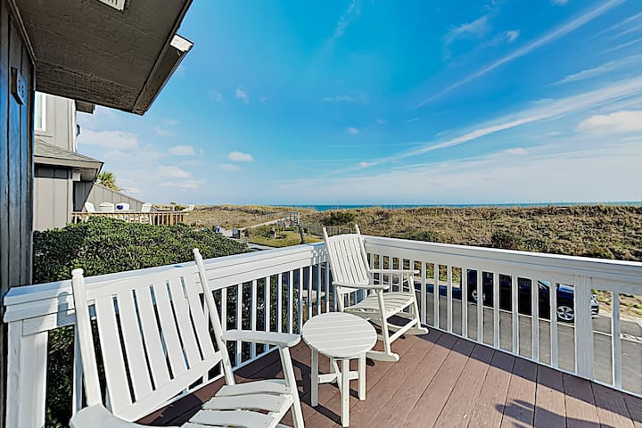 Well-Appointed Oceanfront Getaway - Steps to Sand