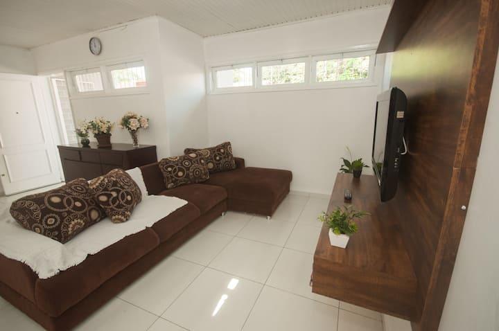 Casa no bairro Vila A  na Terra das Cataratas!