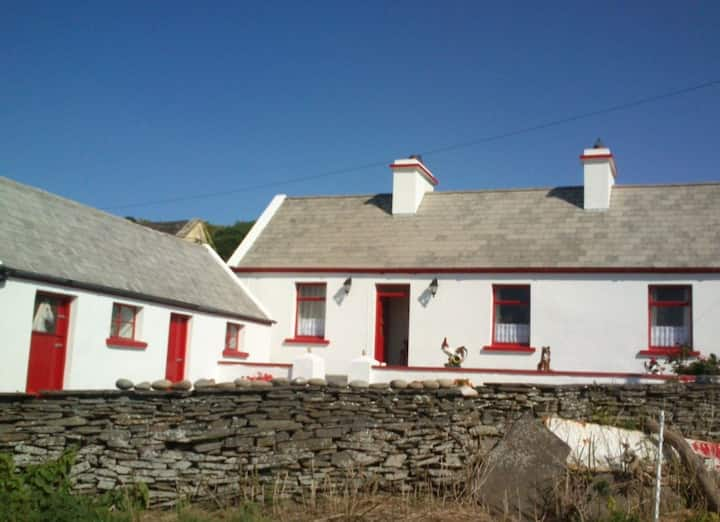 Tom's Cottage - Moher, Liscannor