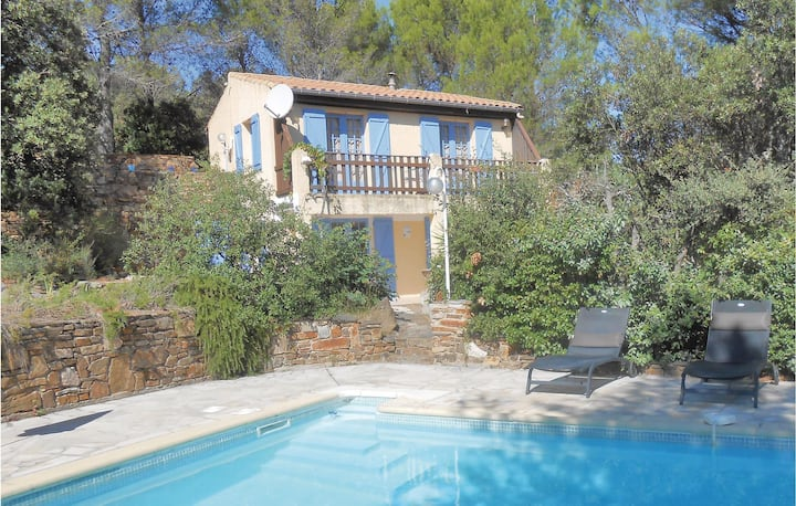 Stunning home in Prades sur Vernazobre with Outdoor swimming pool, WiFi and 2 Bedrooms