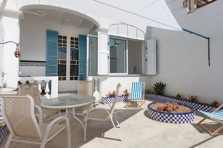 • Apartment Town House, ideally situated in the Centre of Malgrat de Mar   Ideal for f - Malgrat de Mar - 独立屋