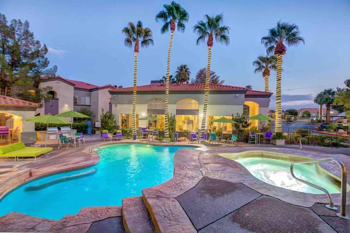 Summerlin Master Share Bath,Pool,Gym,Wifi,Parks