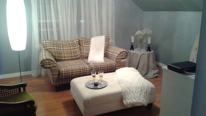 Robin's Nest, Luxurious loft like apartment