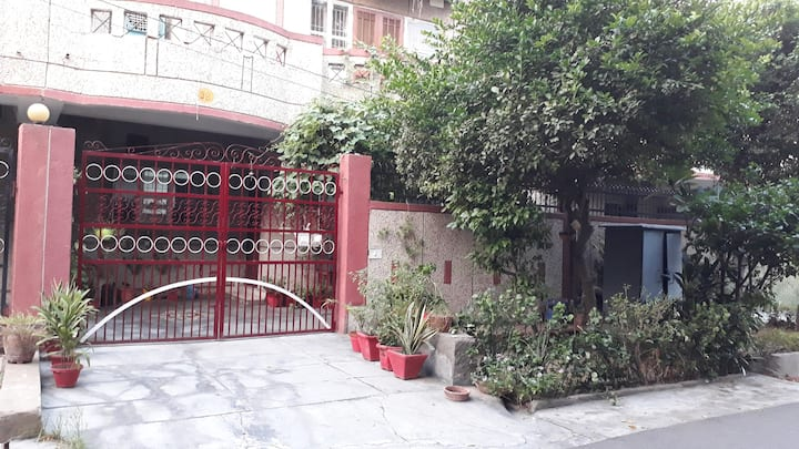 Near Amity university , home stay for females