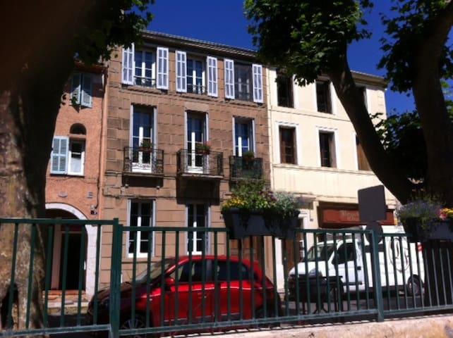 Chambre au coeur du village de Garéoult