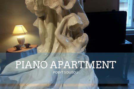 Piano apartment