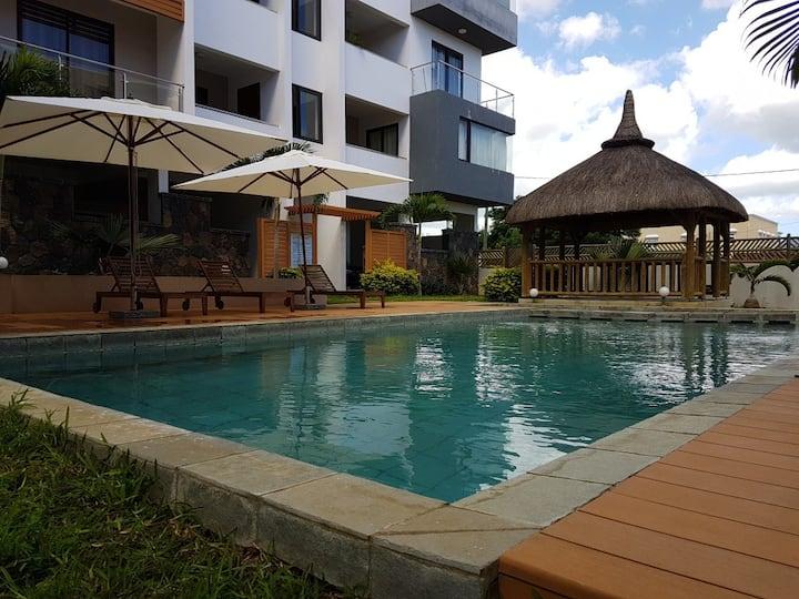 Luxury Penthouse 220m2 + Rooftop + Suv Car option
