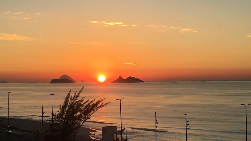 Vista deslumbrante # Boas energias à beira mar.