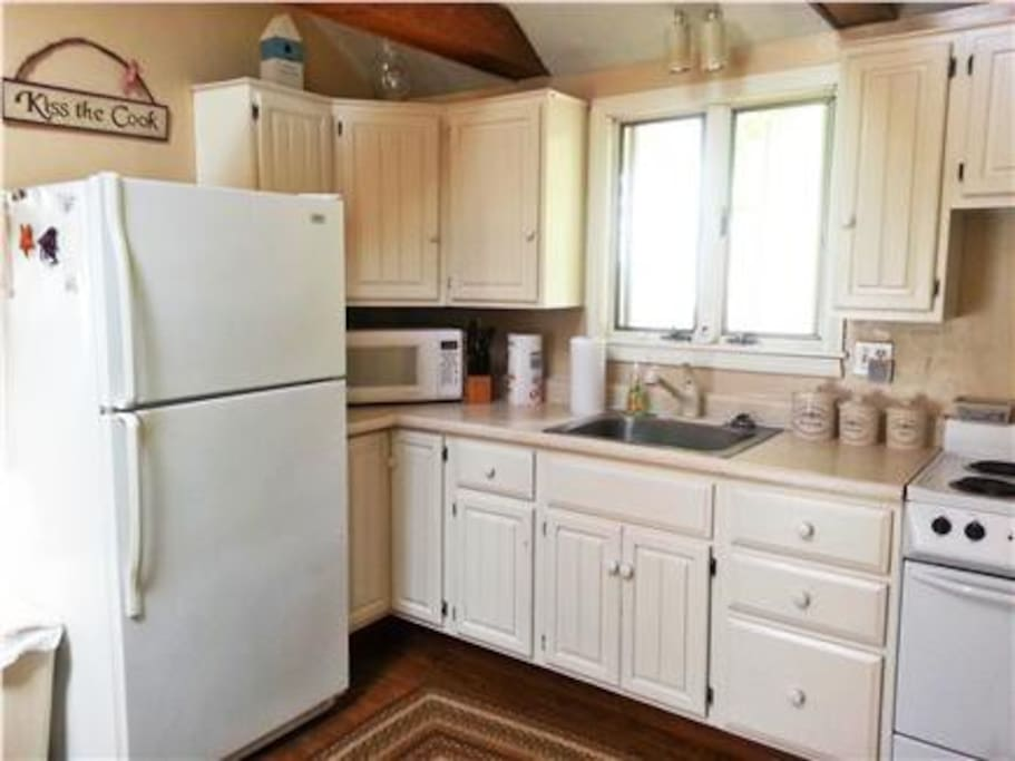 cozy coastal kitchen