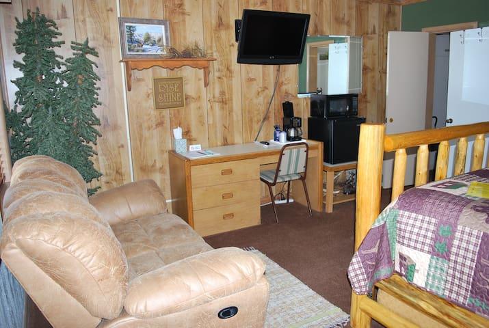 Cowboy Country Inn - King Room