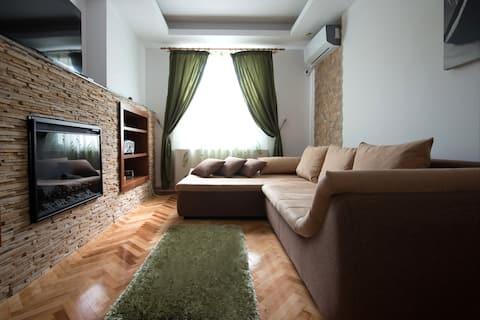 Apartament cu dormitor de lux in inima Iasului,Palas