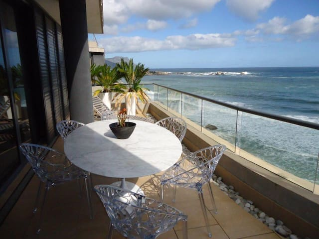 Location on the Beach - Cape Town - Apartment