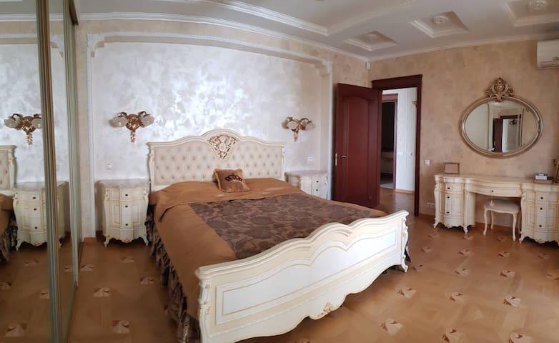 3-roomed apartment for rent , Geroev Stalingrada