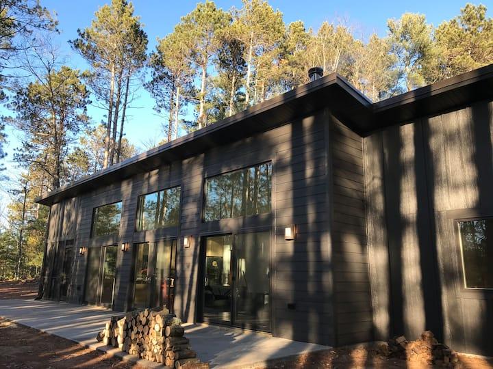 Northwoods Wis Modern Lake Refuge | WFH, Ski, Bike