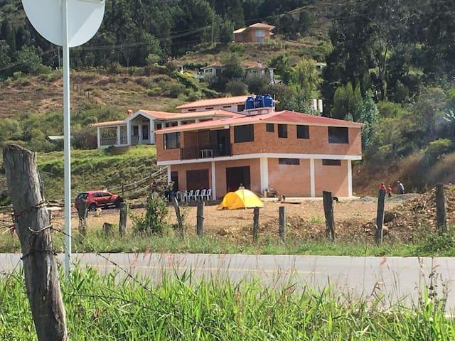 Casa entre Villa de Leyva y Ráquira: relax total