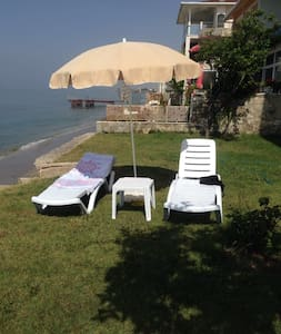 Seaside 2 Bedroom Apartment With Private Beach - Büyükçekmece - Apartment
