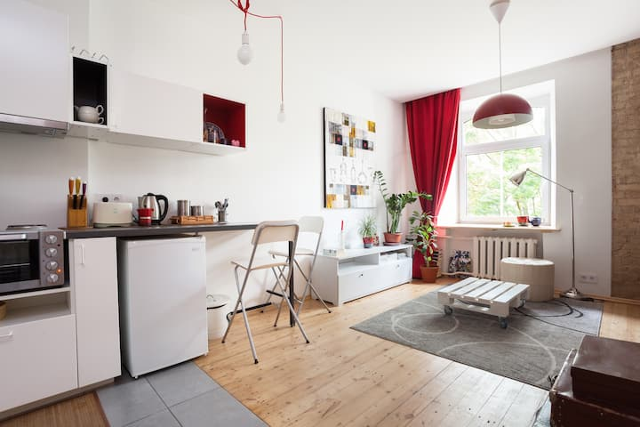 Stylish Studio close to Old Town by Houseys