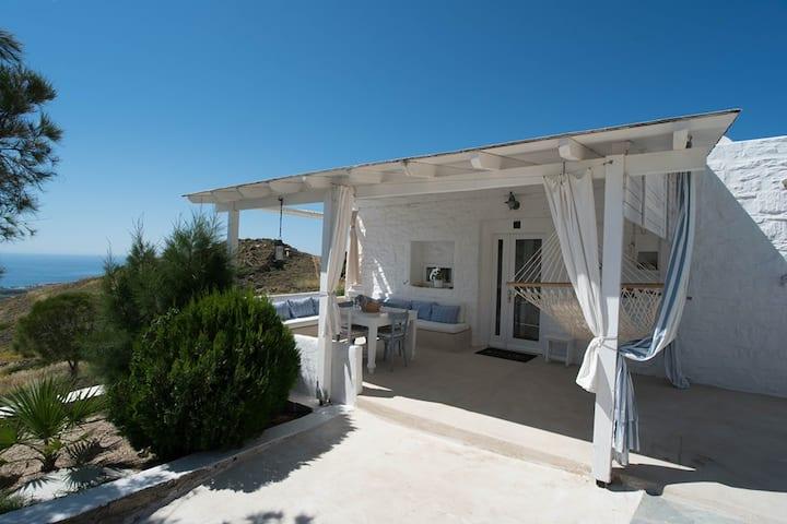 HELIOS Small Villa with Sea View in Paros