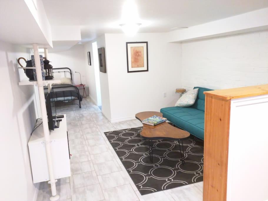 A spacious and comfy studio.