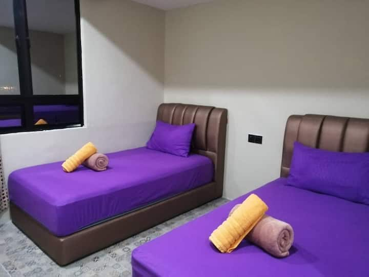 SH212 (Twin Beds) - 2 persons