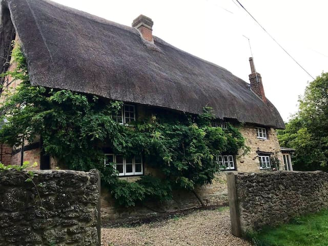 Country Cottage Guest Annex - 3 miles to Le Manoir