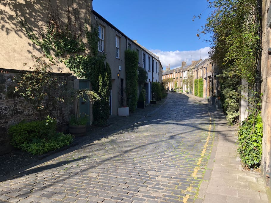 Circus Lane towards Stockbridge