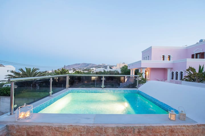 Villa Helena Santorini- Private Plunge Pool & BBQ
