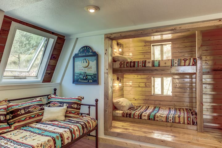 Bunk room to fit all your family!