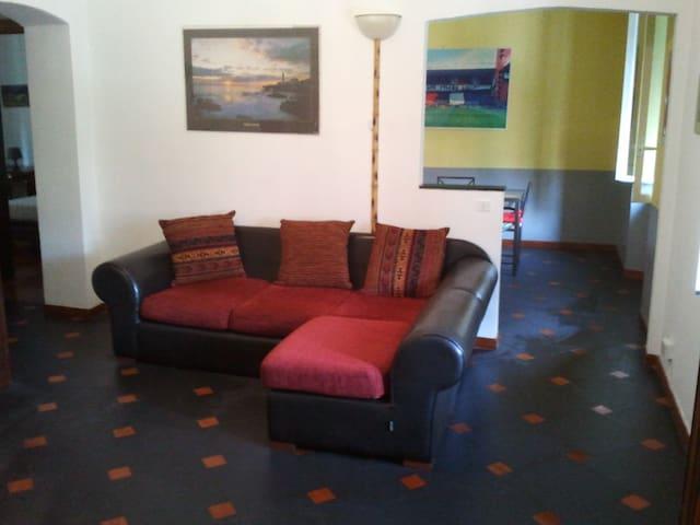 appartamento di 85 mq a Genova Pegli vicino mare - Genua - Appartement
