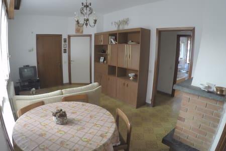 Ampia casa vacanze vicino ai Piani di Bobbio - Cremeno