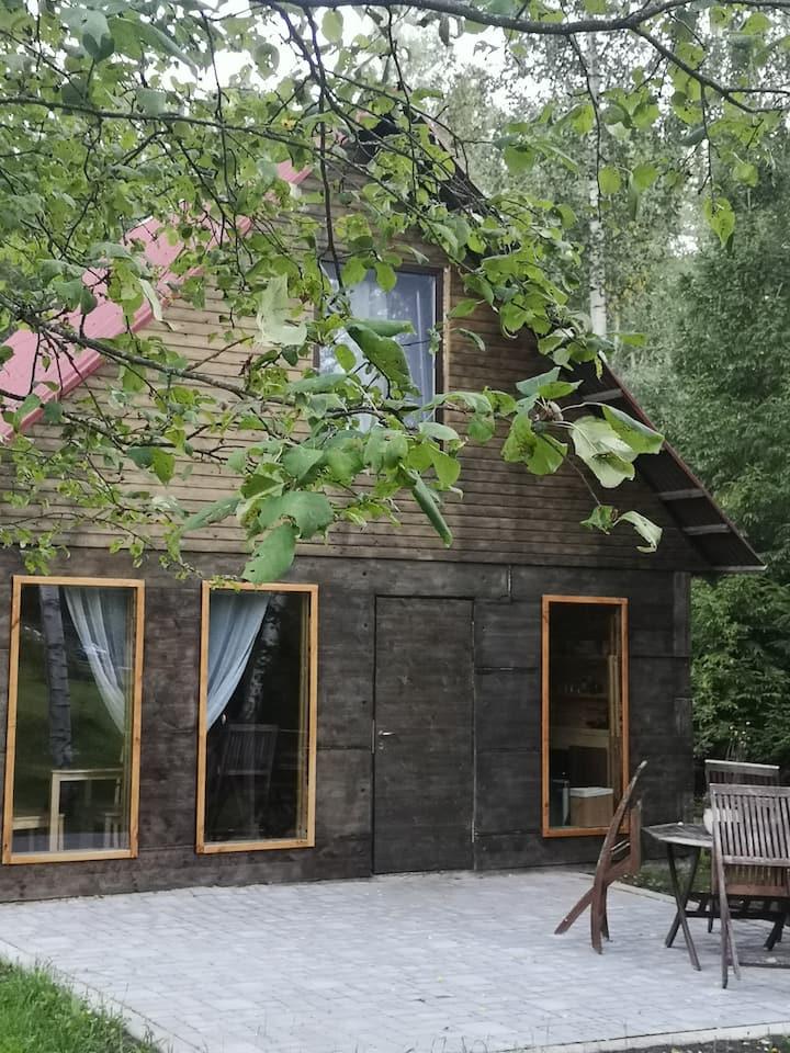 Raudiņu atpūtas mājiņa  ar ērtu privātu teritoriju