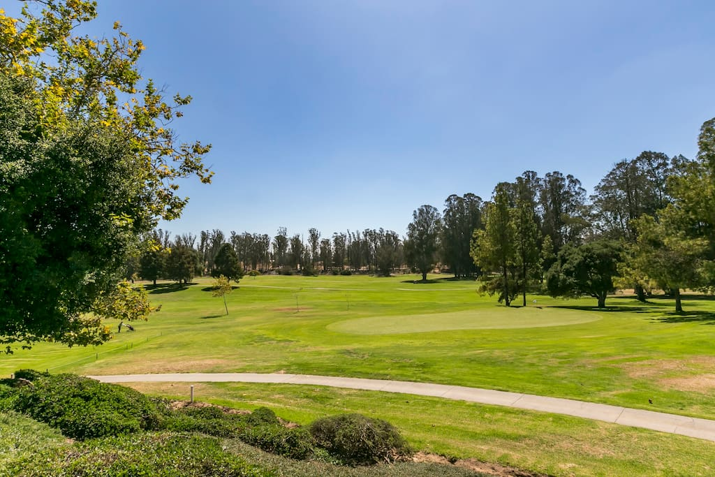 The condo is located a short drive to Santa Barbara Wine Country