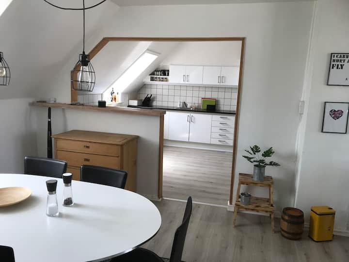 Centralt beliggende 1. sals lejlighed i Sønderborg