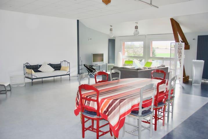 grand espace calme et confort wohnungen zur miete in. Black Bedroom Furniture Sets. Home Design Ideas