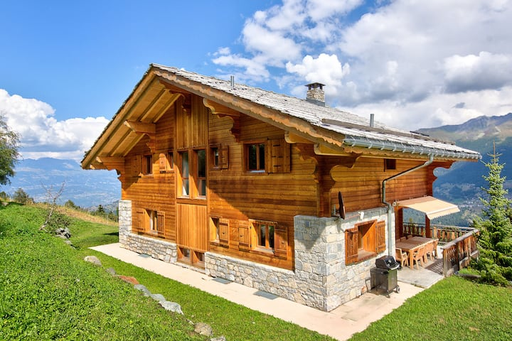 Mountain Chalet in Les Collons with Wellness Centre