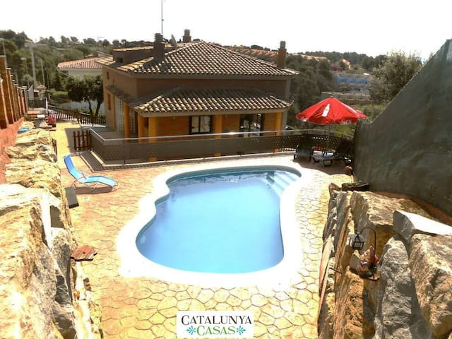 Sublime villa in Pedrasanta, just 25km from Barcelona - Barcelona Region - 別荘