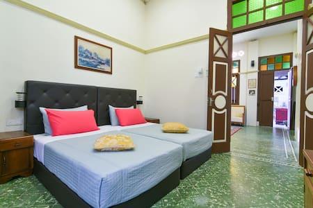 Colonial Room - Malacca - Casa