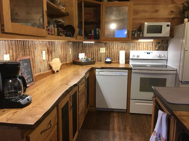 VIP RUSTIC HOUSE, option B, with partial rv site