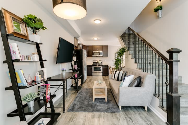 NICE 2 STORY TOWNHOUSE - WEST HOLLYWOOD